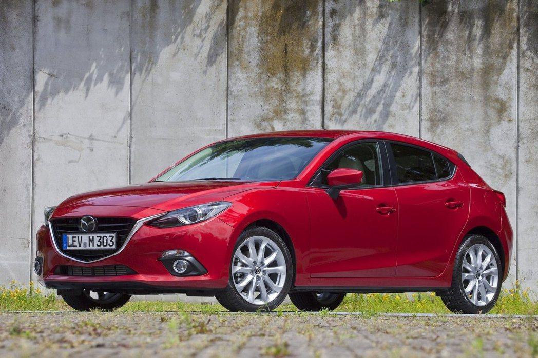 這部以進口車國產價挑戰國內市場的Mazda 3,讓許多年輕人愛不釋手。 摘自Ma...