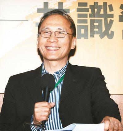 準行政院長林全上午出席「新內閣團隊共識營」第二天課程,他表示,對於GDP保一,「...