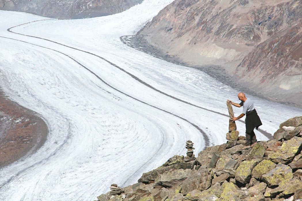 瑞士今年獨家新景,可看冰川、堆疊幸運石。 圖/逸揚瑞旅提供