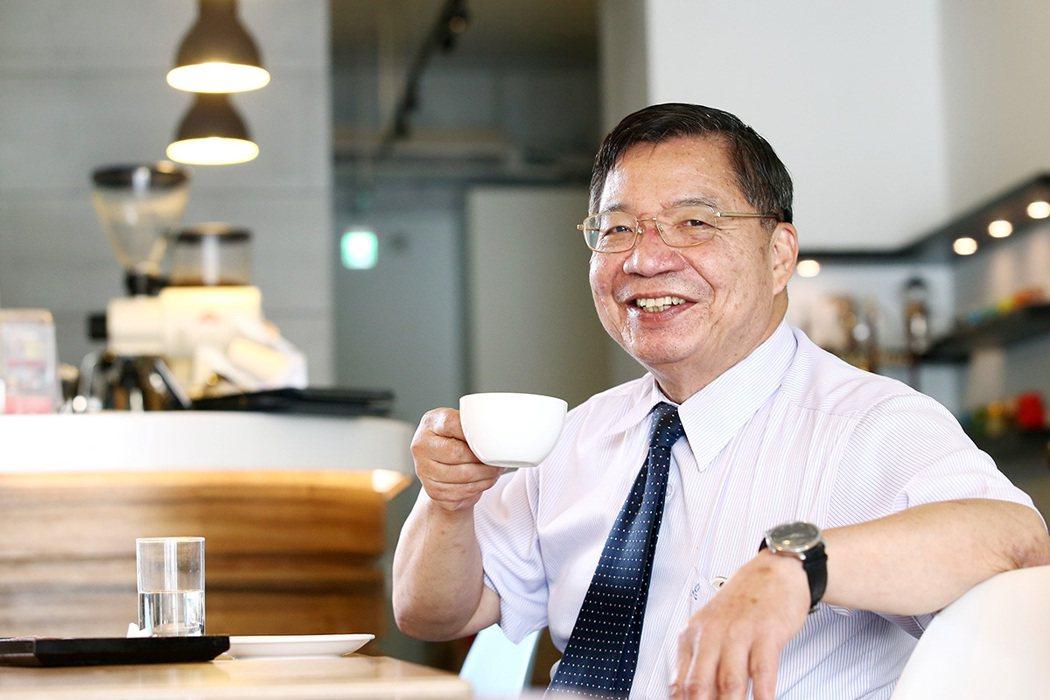 張金堅教授從健康的角度談咖啡。 記者王騰毅/攝影