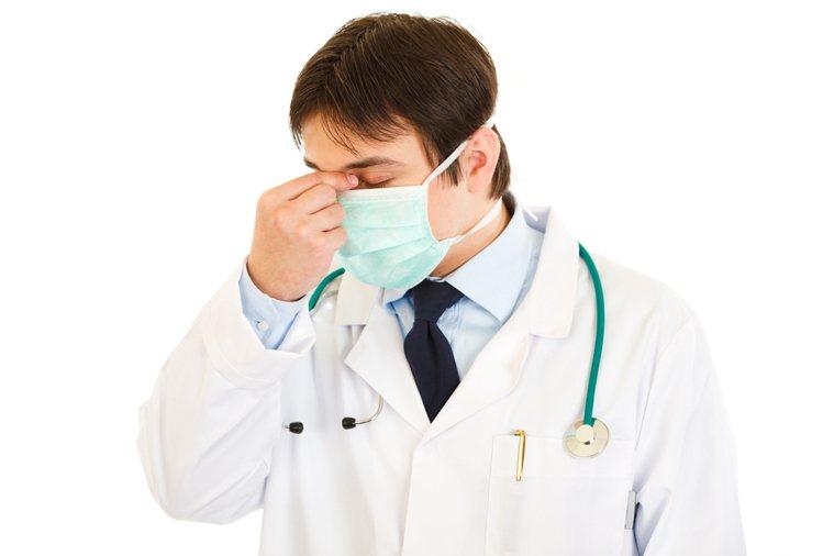 醫院是一年到頭都不能關的機構,醫護的生活品質何時才看得到呢? 圖/Ingimag...
