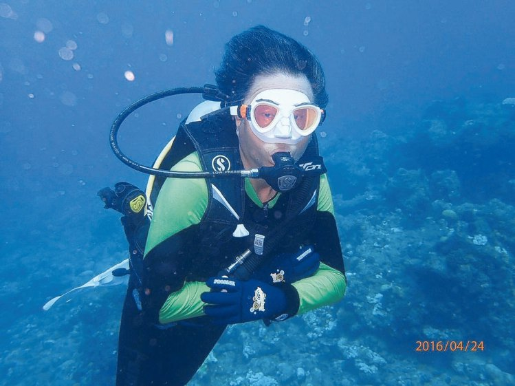 王偉忠日前赴馬爾地夫,享受久違的潛水趣。 圖/記者陳立凱攝影、王偉忠提供