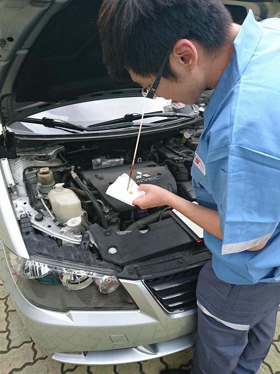 檢查引擎機油 圖/YES第三方汽車認證提供