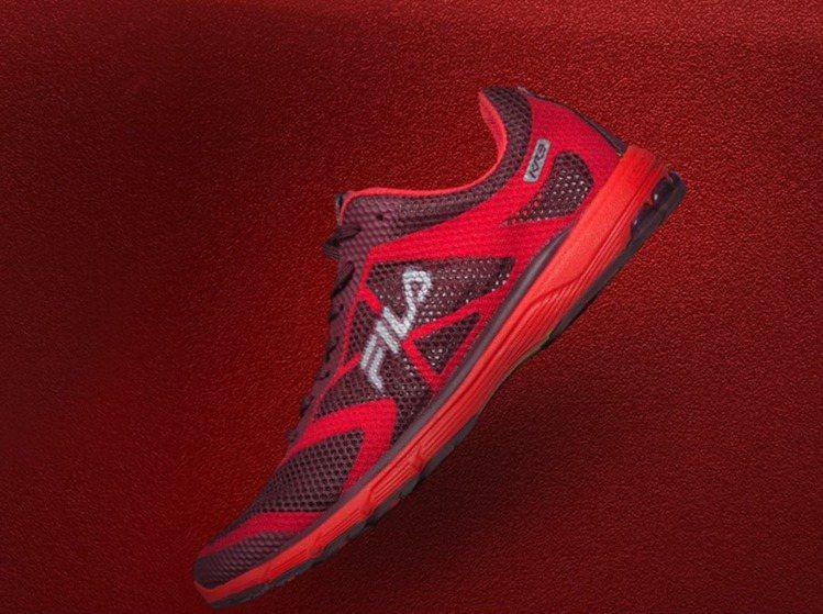 Fila的「KENYA RACER 3」跑鞋,有肯亞圖騰加持。圖/Fila提供
