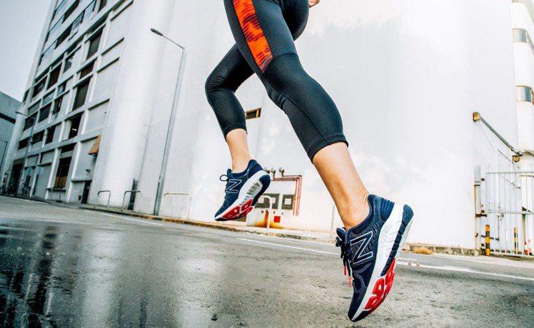 New Balance Vazee Rush跑鞋(女),售價3250元。圖/Ne...