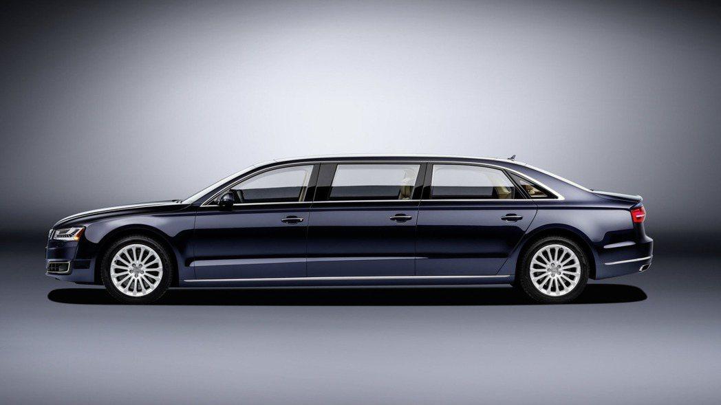 Audi於上個月曾以旗下頂級豪華房車A8為基礎,打造一款六門豪華禮車,創造話題。...