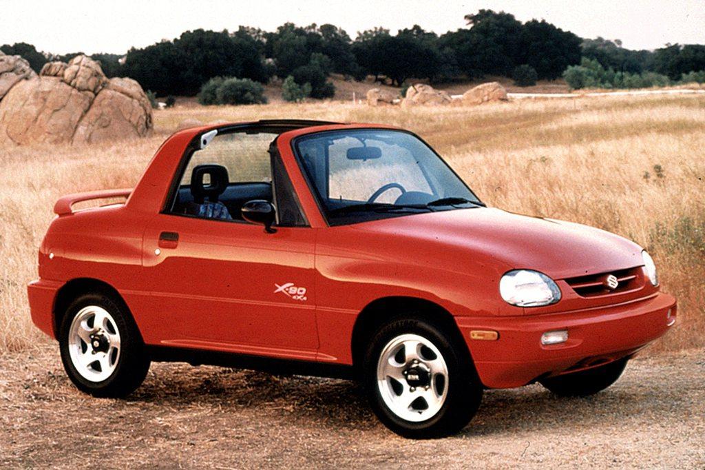 1997年Suzuki也曾推出一款集越野、敞篷、運動於一身的小型車X-90,仍未...