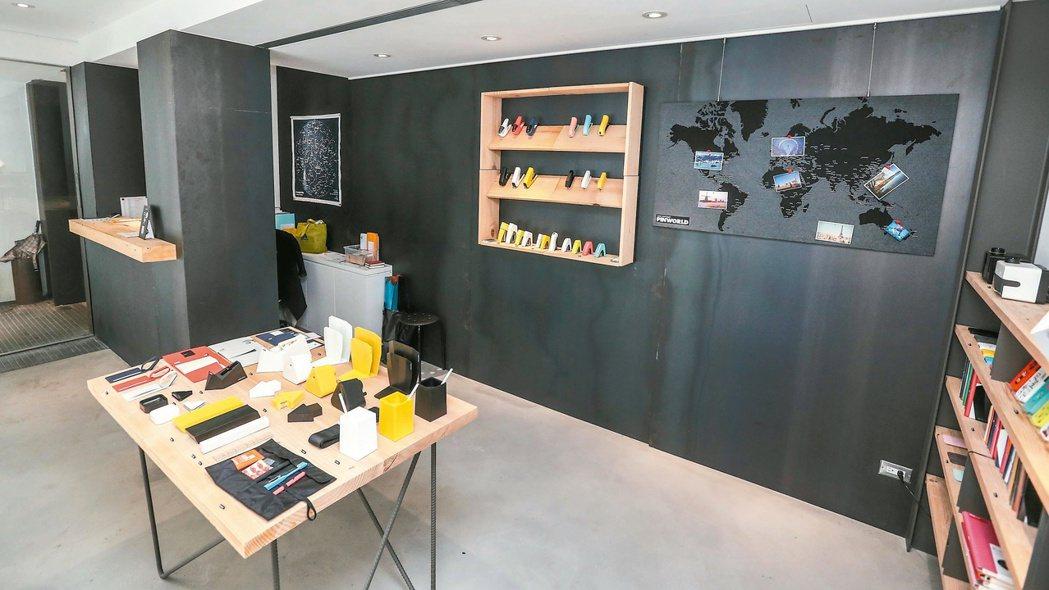 唷吼設計旗下品牌urban prefer,店內擺放許多結合設計概念的生活用品。 ...