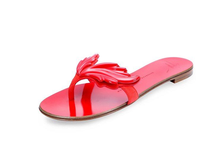 紅色火焰翅膀平底涼鞋,售價26,800元。圖/Giuseppe Zanotti ...