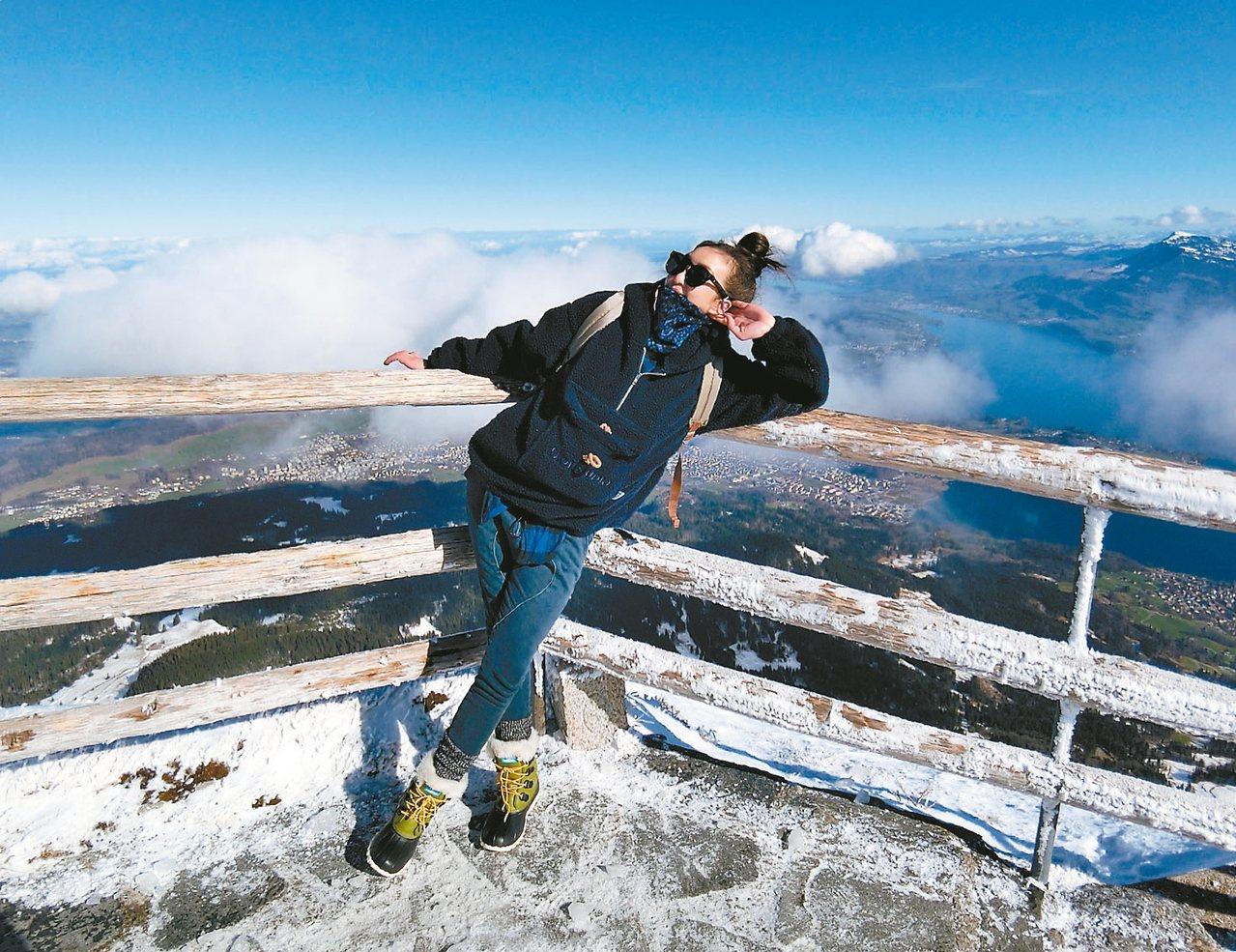 路嘉怡登上琉森附近的皮拉圖斯山。 圖/寬寬整合行銷提供