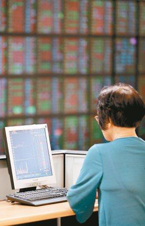 近期台股市場的焦點,除了權重調整的重頭大戲外,投資人關注的另一重點,就是準成分概...