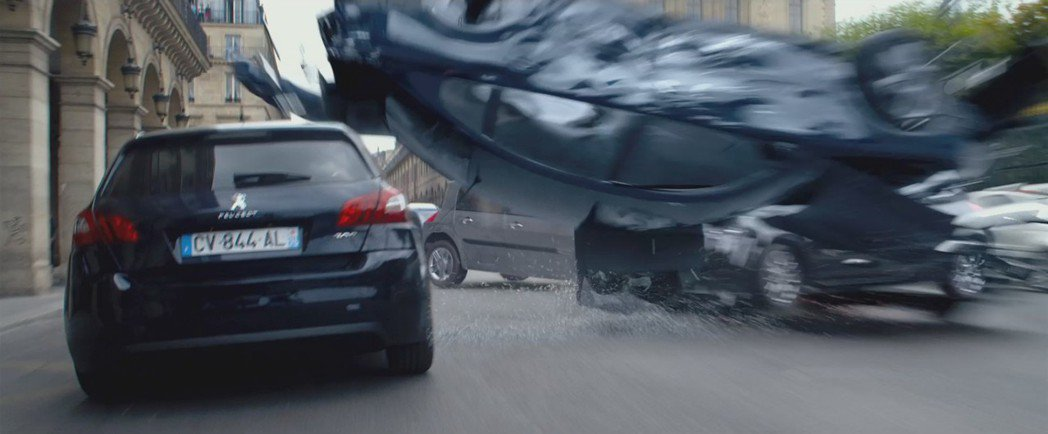 Peugeot 308在電影「露西」中獲得不少亮相機會。 摘自planete-g...