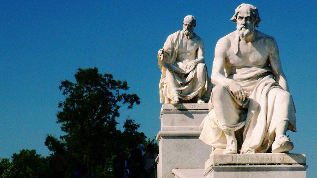 修昔底德(前)與希臘歷史學家波利比烏斯(後)。 圖/維基共享