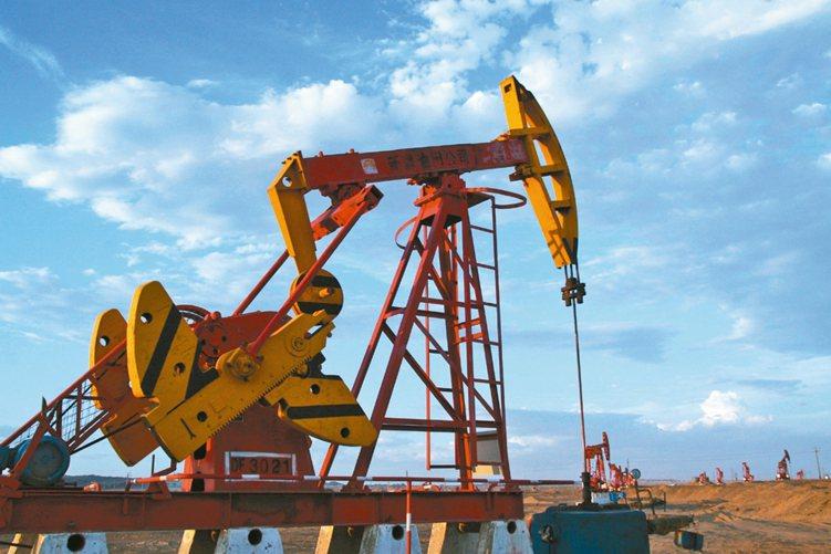 國際油價反彈,逐步帶動高收益債市場展開一波反彈行情。 網路照片