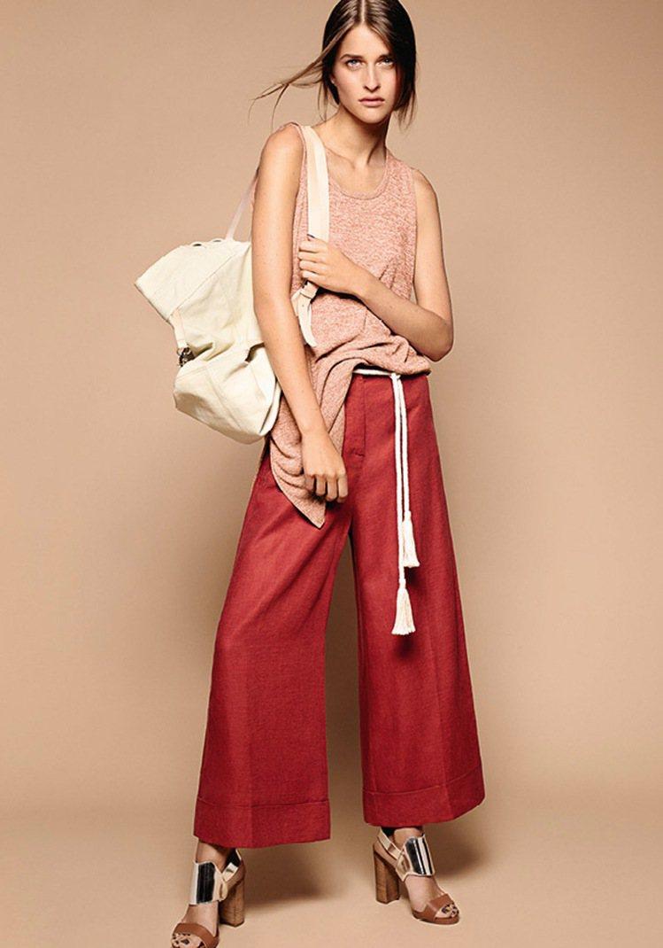 一線精品也主打舒適自在的寬褲。圖/Max&Co提供
