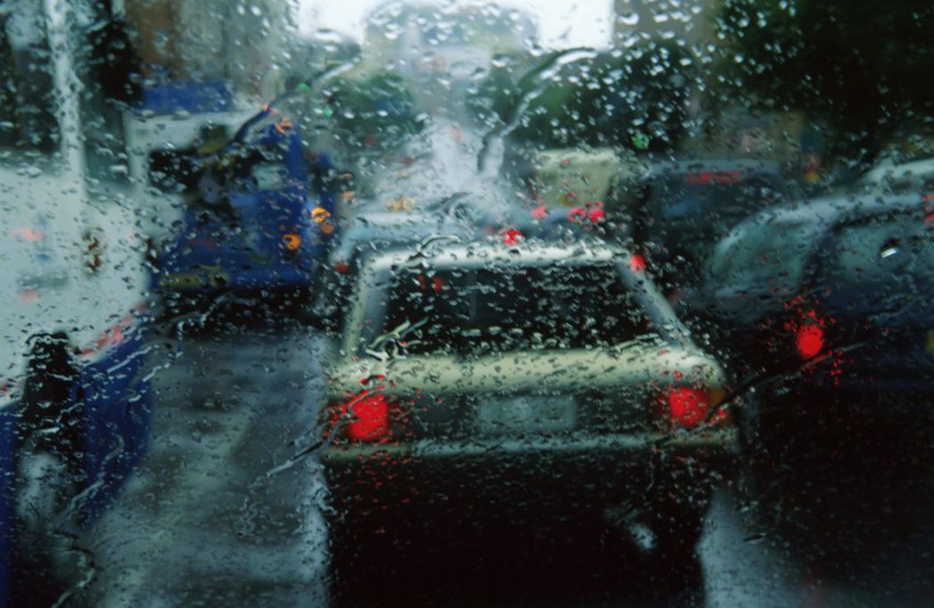 颱風來襲,愛車如何停車和移車都有學問。 圖/ingimage提供
