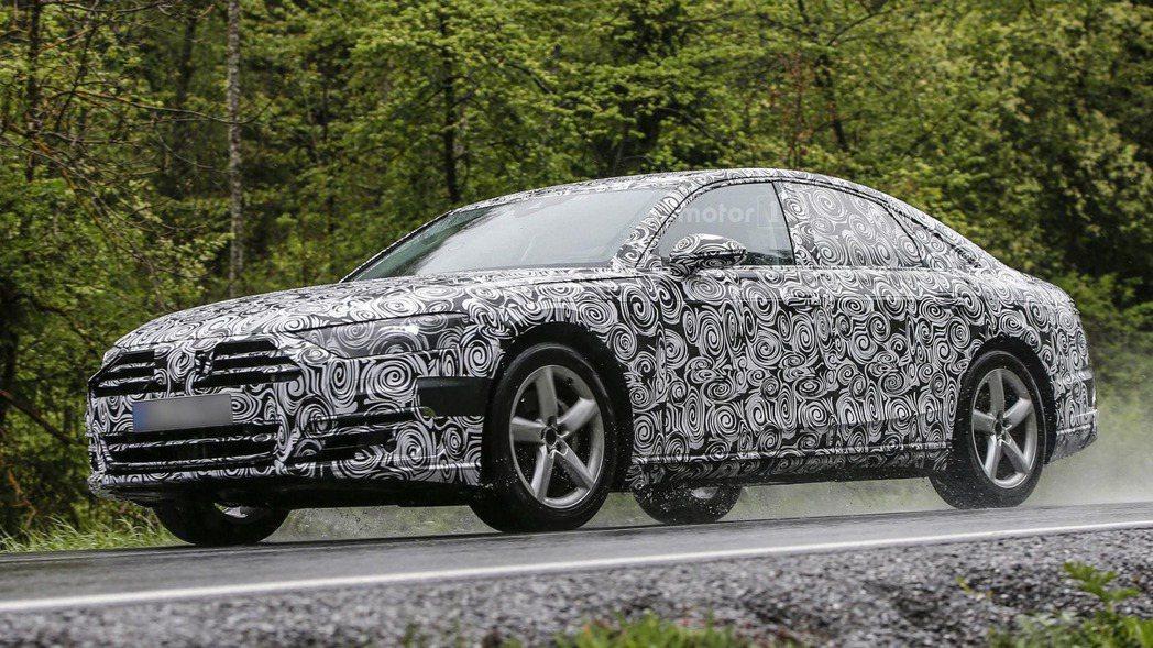 根據近日捕獲的全新Audi A8的偽裝車,外型與日前曝光的預想圖十分相似。 摘自...