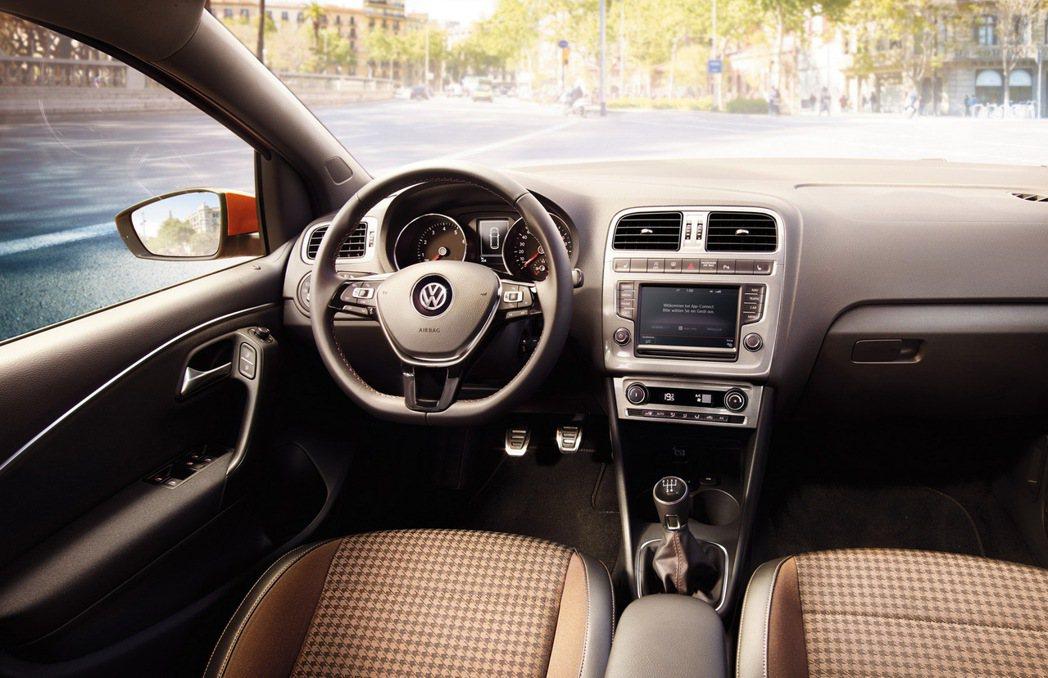 Polo Beats內裝大抵維持原先設計,僅於座椅和安全帶上面作變化。 摘自Vo...