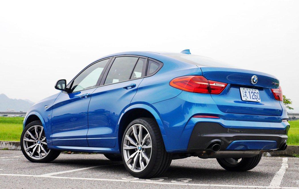 BMW X4 M40i的線條優雅中又帶點蓄勢待發的動感。 記者陳威任/攝影