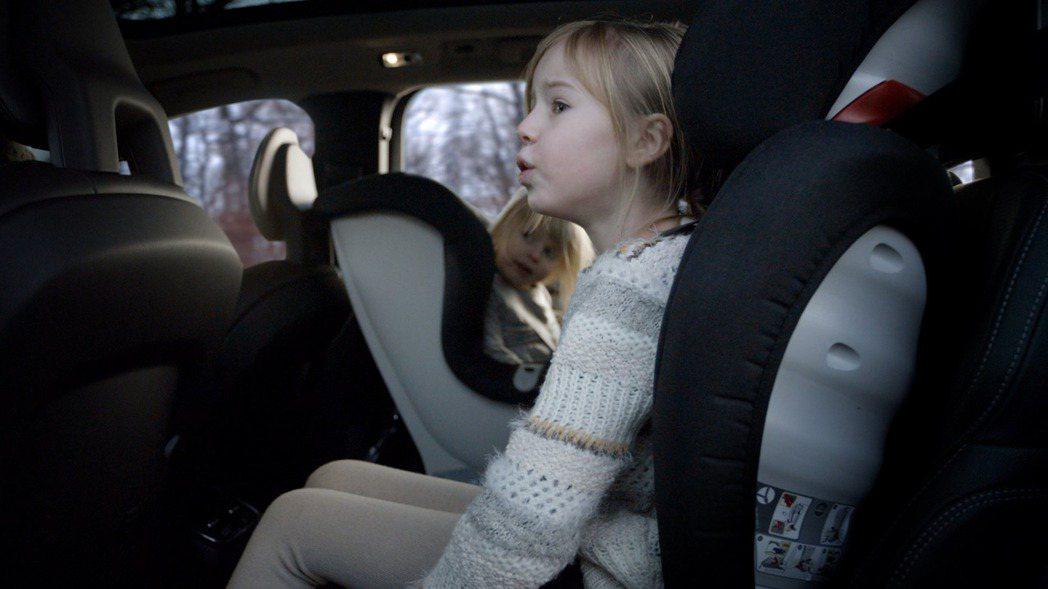Volvo近日推出一款全新兒童安全座椅,便利性與舒適性紛紛提升。 摘自Volvo