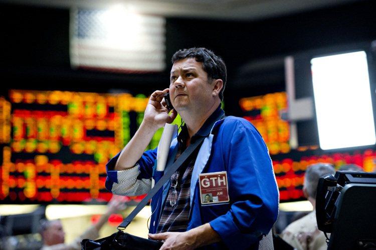 據Bloomberg統計,亞洲和美國的固定收益資產是今年的大贏家。 本報系資料庫