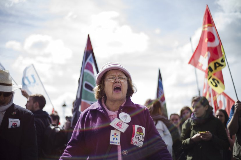 進行佔領示威行動的不只有對未來感到徬徨的年輕人,待退休者對退休後經濟困境的恐慌感...