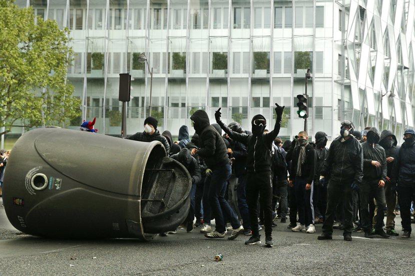 法國人民這次已無法忍受,必須明確的向政客說:不! 圖/歐新社