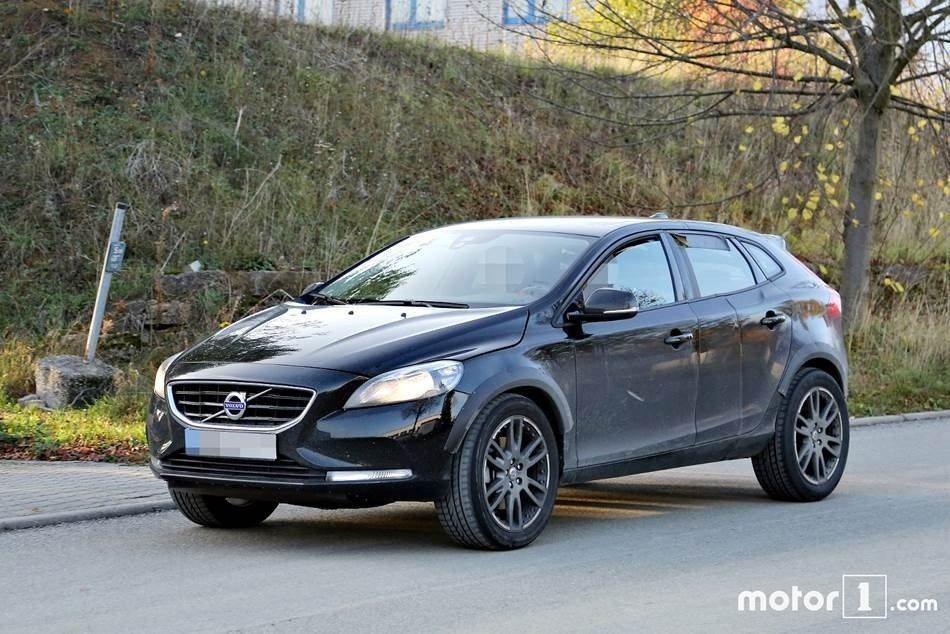 Volvo也決定加入跨界休旅車的市場,日前曾多次被捕捉到相關車型的偽裝測試車。 ...