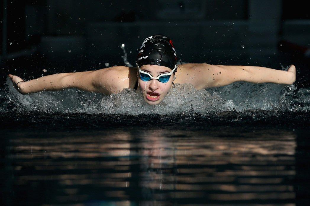 這時,曾經的游池水道已離她很是遙遠。 圖/IOC國際奧委會