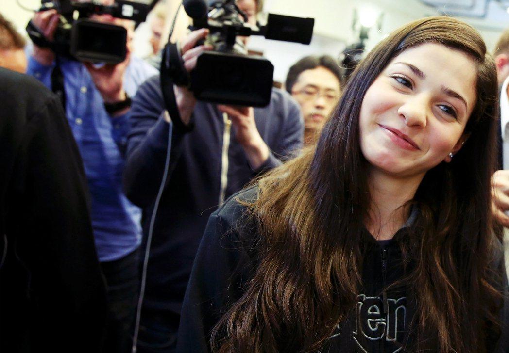 只是這回她不再是敘利亞的「國手」,而是加入代表全球數百萬難民的「難民奧運代表隊」...