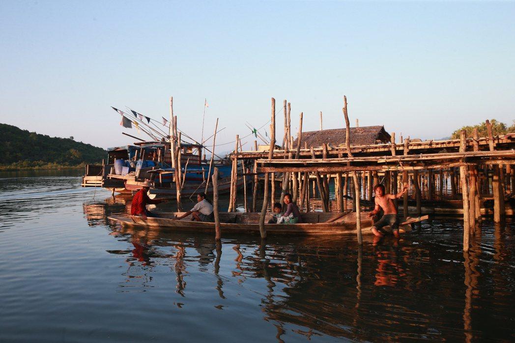 緬甸魚村一隅。 記者黃義書/攝影