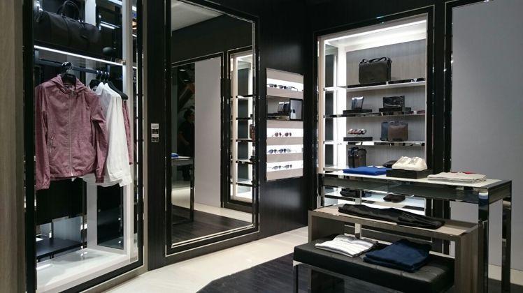 Michael Kors首間大中華男裝店,陳列了完整男裝、配件系列。圖/Mich...