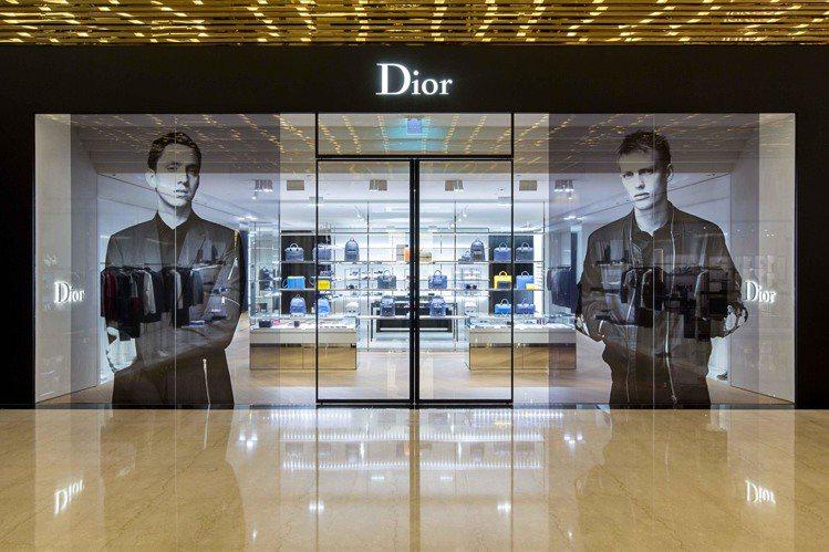 Dior Homme在微風信義成立獨立專賣店,將與女裝互別苗頭。圖/Dior提供