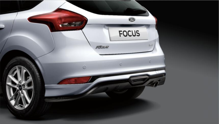 「Ford Focus賽道限量版」搭載型動雙色前、後下擾流側裙。 圖/福特六和提...