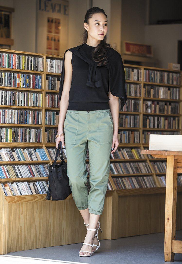 UNIQLO自在束口褲新款 女裝棉質彈性束口褲登場全系列5色售價990元。圖/U...
