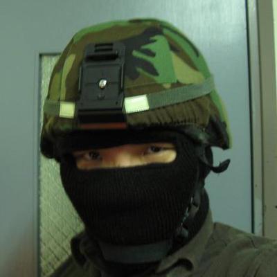 當兵時的照片。 圖/取自黃資傑臉書