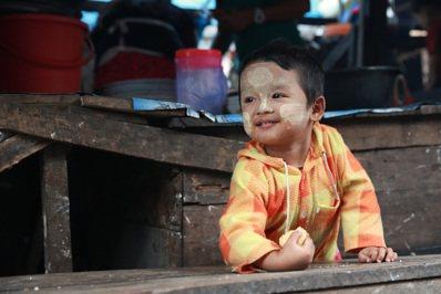 開放不久的緬甸處處商機,宛如孩童一般有無限可能。 記者黃義書/攝影
