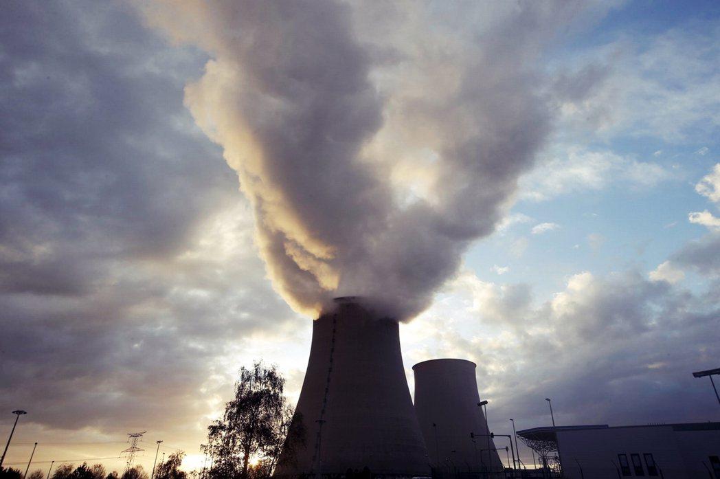 確認參語罷工的諾讓核電廠。 圖/路透社