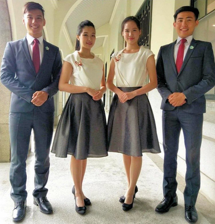 今年度的總統就職暨國宴禮賓員,穿出台灣設計的年輕自信。圖/南藝大提供