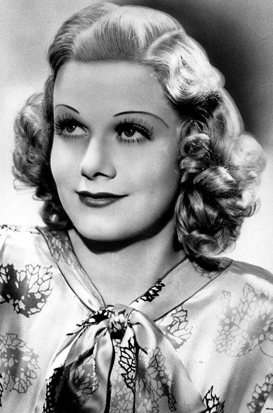 Jean Harlow是金髮美女的鼻祖,她維持一頭美麗金髮的秘籍就是經常用一種漂...