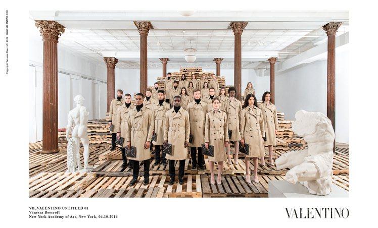 VALENTINO於紐約藝術學院舉行VB Valentino Untitled ...