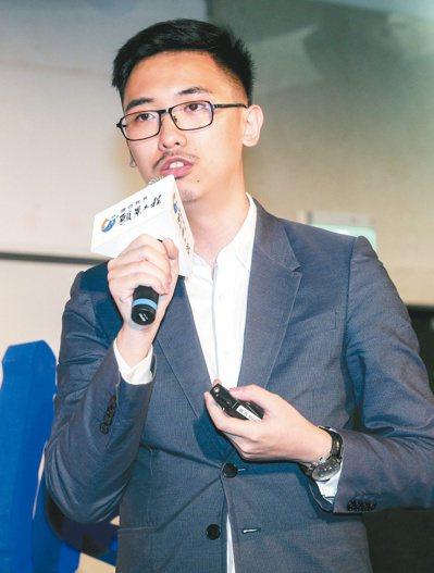 由聯合報系願景工作室所推動的「青年開路論壇」昨天在嘉義大學舉行,台灣文創企業發展...