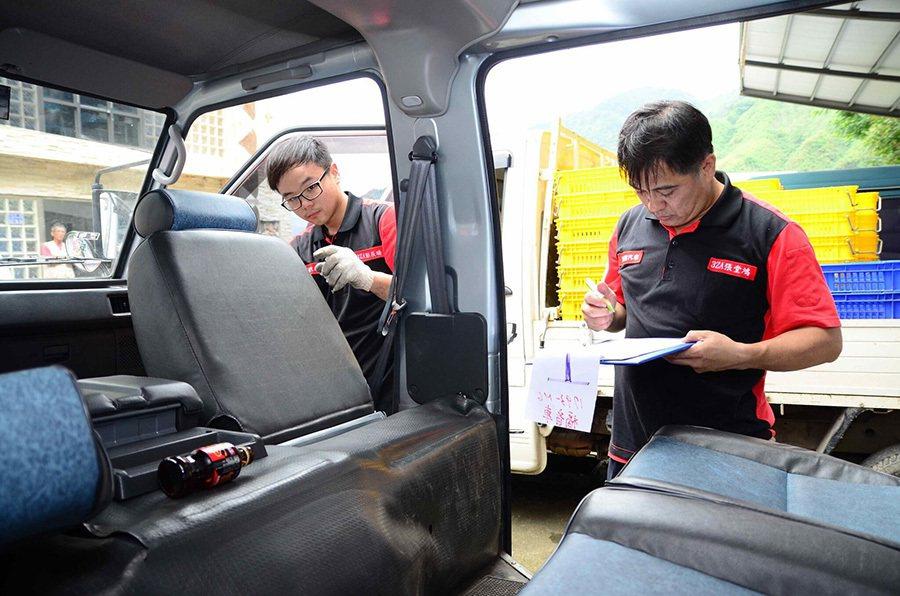 技師貼心檢查每一個環節 教導車主使用車輛的正確觀念。 中華三菱提供