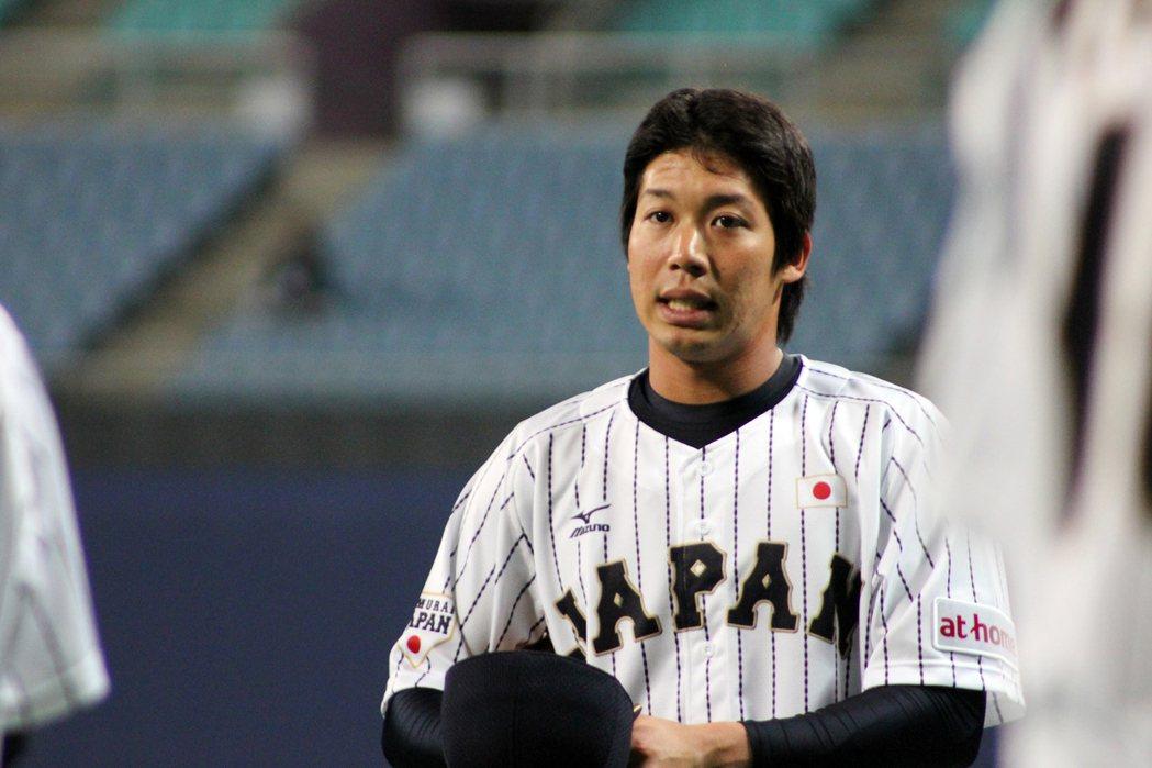 山田哲人在短短時間內晉升為日本隊當家二壘手,遞補井端弘和的位置,年僅不過24歲的...
