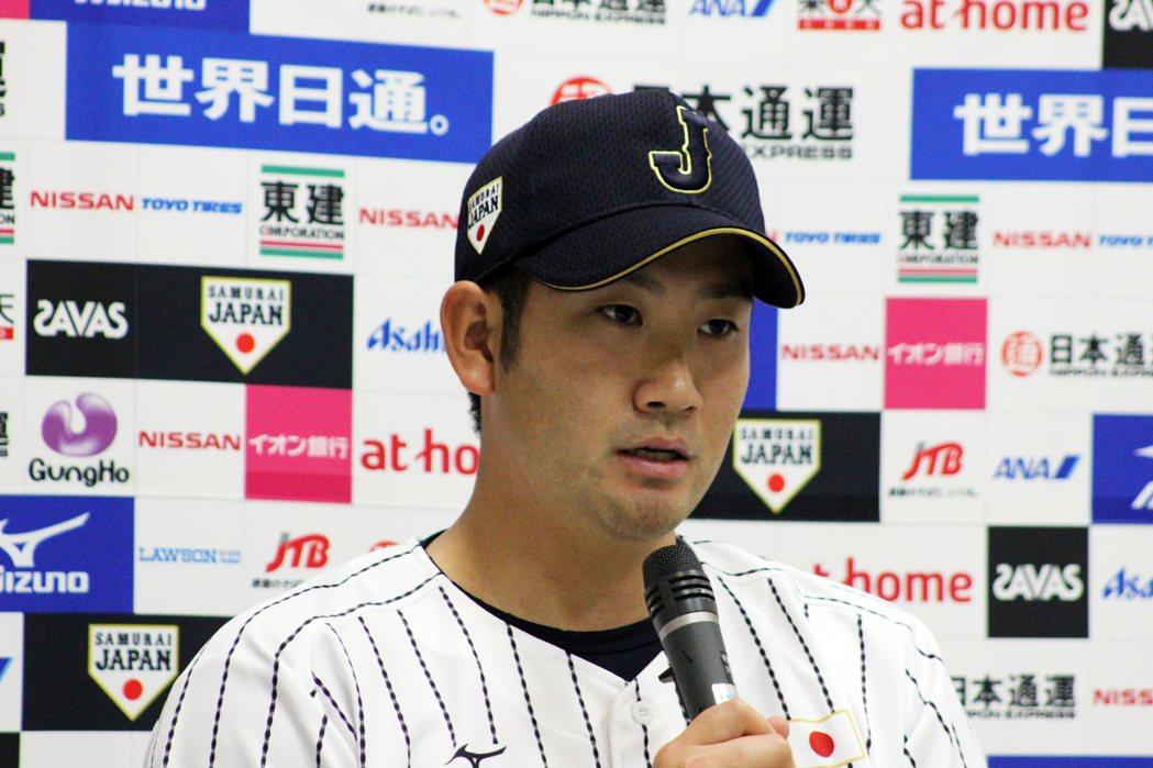 日本最近也在討論「是否要徵招旅外大聯盟球員」,但無論徵召與否,小久保裕紀這四年內逐漸培養新生代日職選手獨當一面,資質皆不遜色,投手菅野智之為其一。 圖/作者自攝