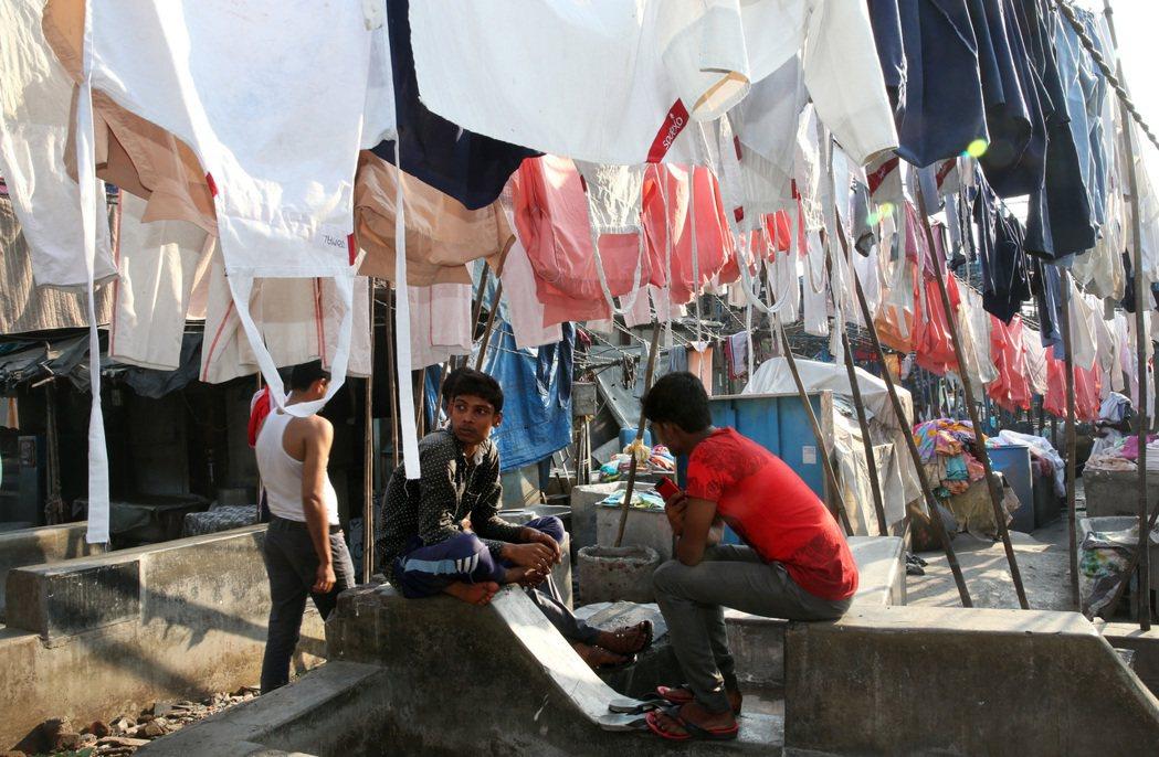 印度孟買千人洗衣坊裡的階級制度Dhobi Ghat。 記者潘俊宏/攝影