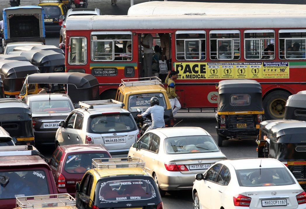 印度曾發生嚴重的巴士性侵案,讓女性卻步。 記者潘俊宏/攝影