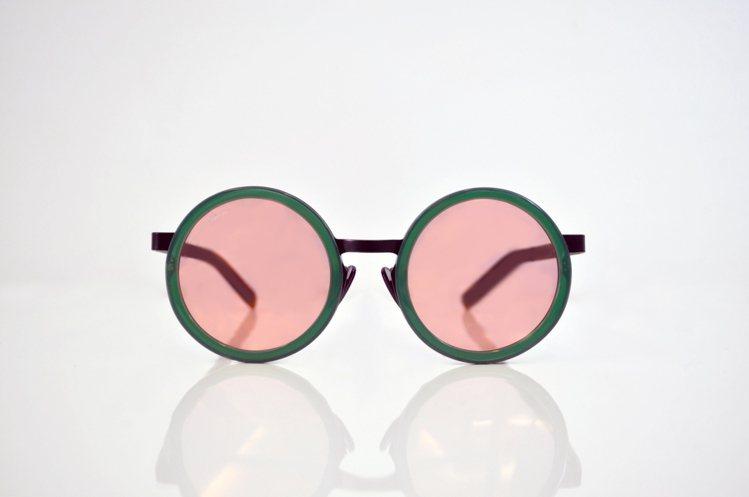 Fakeme Waldo太陽眼鏡, 7,600 元。圖/永三提供
