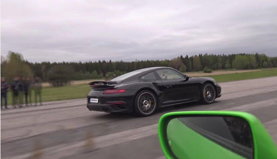 Porsche 911 Turbo S有著更迅速的動力反應與精良調教的底盤。 截...