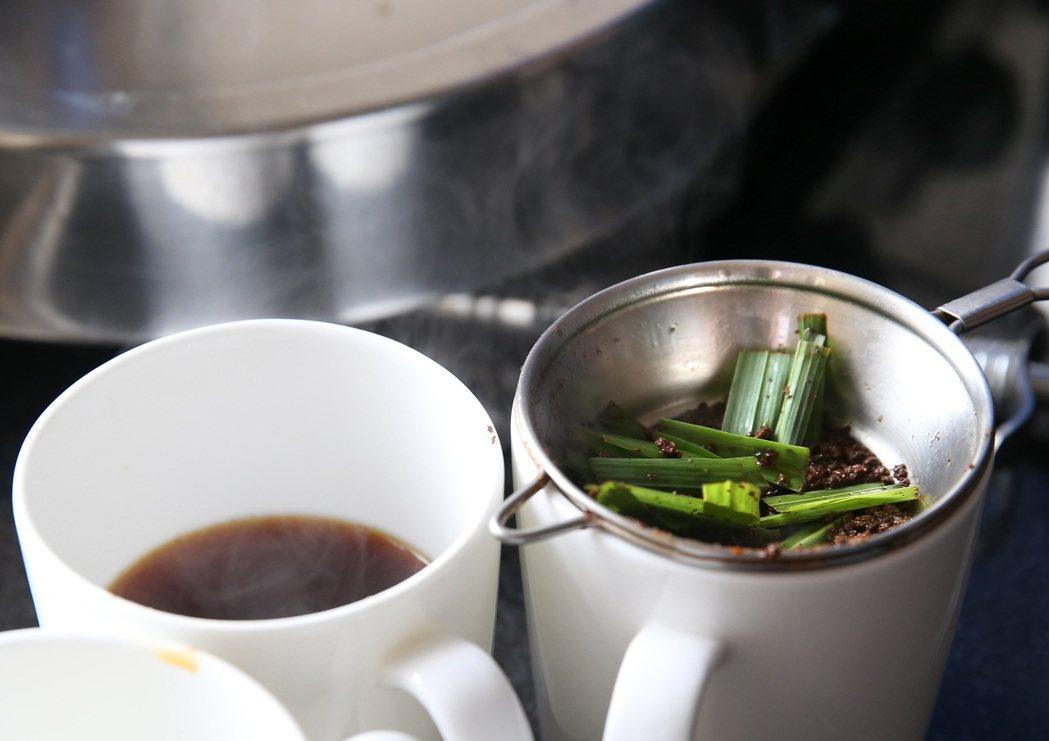 加了香料的印度奶茶。 記者潘俊宏/攝影